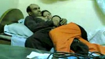 पति के साथ देसी भारतीय पत्नी अफेयर